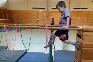 Balancieren Bewegungslandschaft | sprachheilschule-freiburg